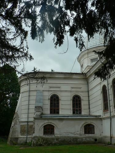 kostel-bok1