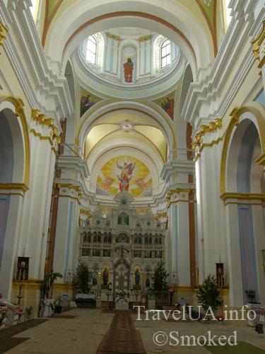 kostel-iznutri2