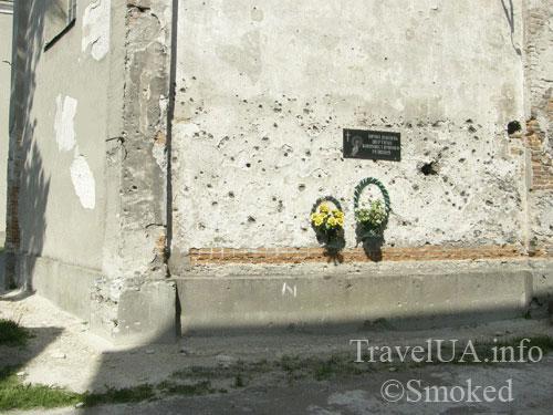 Дубно, стена, место расстрелов, казнь