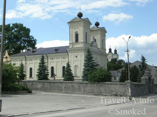 kostel-i-ezuity