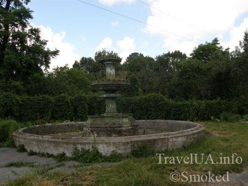 Червоне, дворец, Тышкевич, Грохольский, монастырь, Терещенко, фонтан