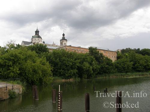 Монастырь кармелитов, Бердичев, пейзаж, река, история