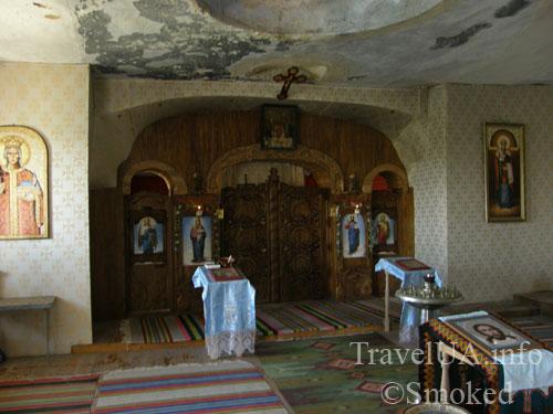 Ципово, монастырь, нижний монастырь, скальный монастырь, пещерный монастырь, церковь