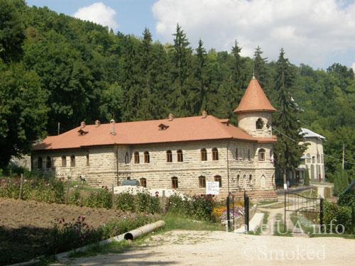Молдова, Рудь, монастырь