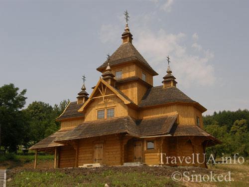 Унив, Унивская Лавра, монастырь, деревянная церковь