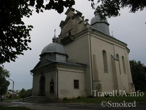 cerkva-v-listyah