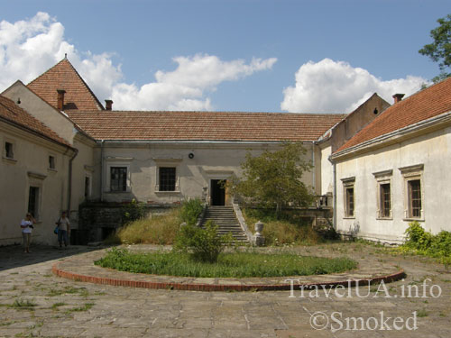Свирж, Свиржский замок, Львовская область, двор