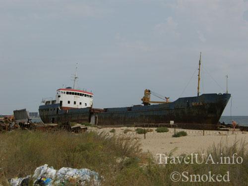 Одесская область, море, корабль на берегу