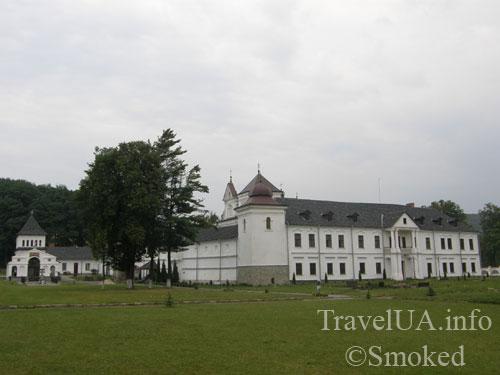 Унив, Унивская Лавра, монастырь