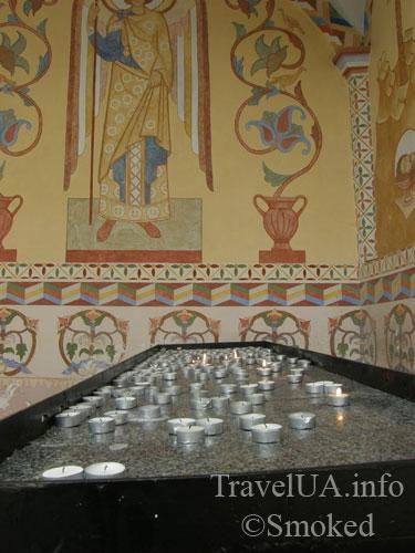 Унив, Унивская Лавра, монастырь, свечи