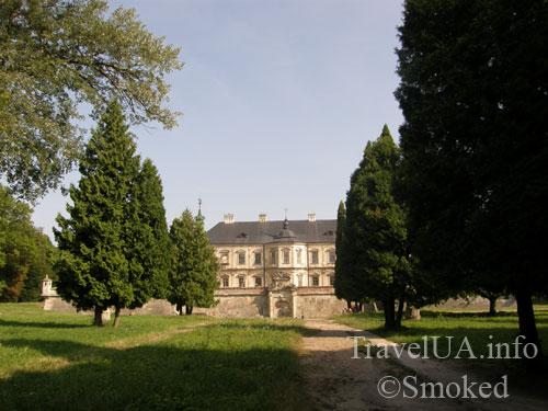Подгорцы, дворец Конецпольских, парк, аллея
