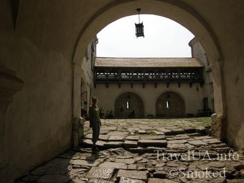Олесько, Львовская область, замок, двор