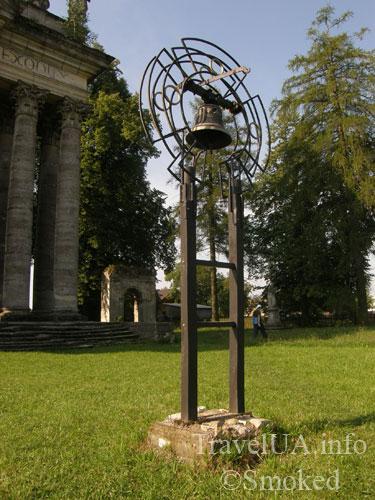 Крест и колокол, Подгорцы, костел святого Иосифа, усыпальница Жевусских, базилика