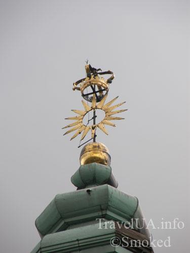 корона, Подкамень, монастырь