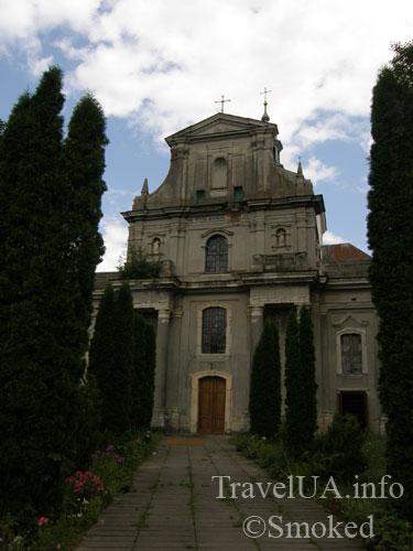kostel-alleya