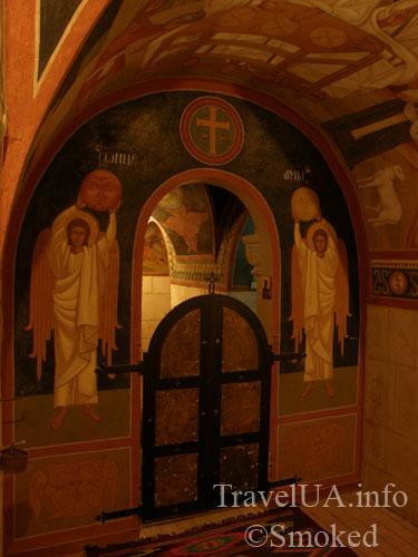 подземная церковь, Подкамень, монастырь