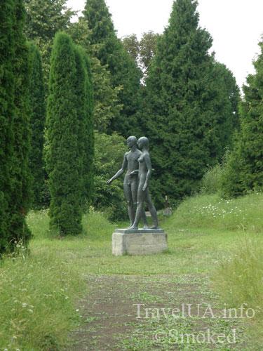 Олесько, Львовская область, памятник, скульптура