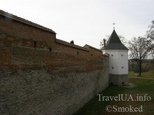 стена, башня,  Крехов, Крехив, монастырь, василиане, Львовская область