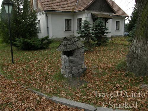 урна, мусорник, Крехов, Крехив, монастырь, василиане, Львовская область