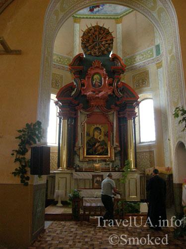 Корец, костел, святой Антоний, алтарь, интерьер
