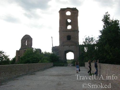 Корец, замок, руины, мост