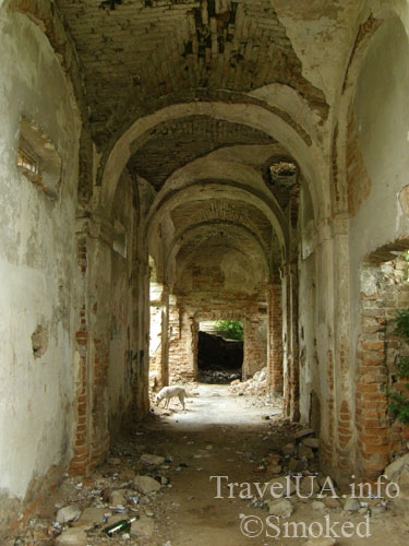 галерея, Изяслав, дворец Сангушко