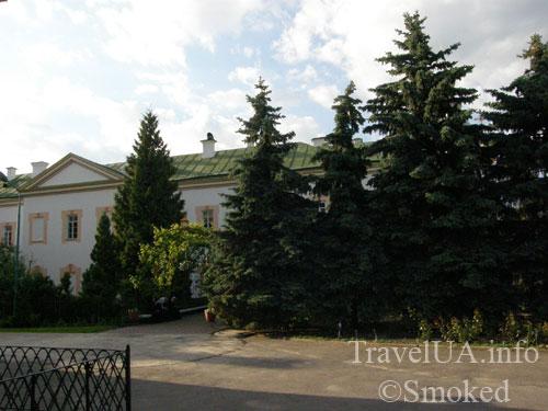 Корец, монастырь, келии
