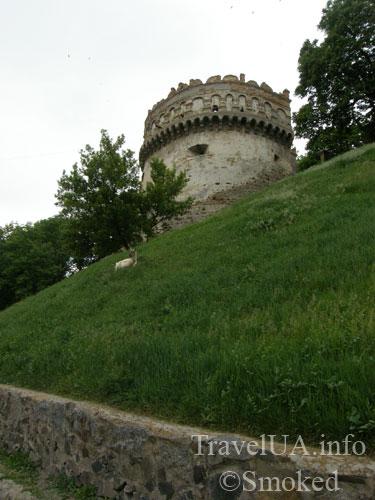 Острог, Круглая башня