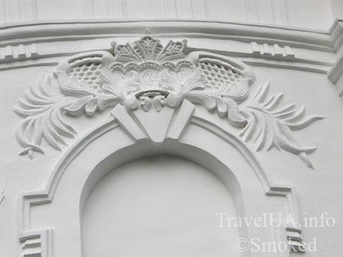 Козелец, собор, Разумовские, лепка