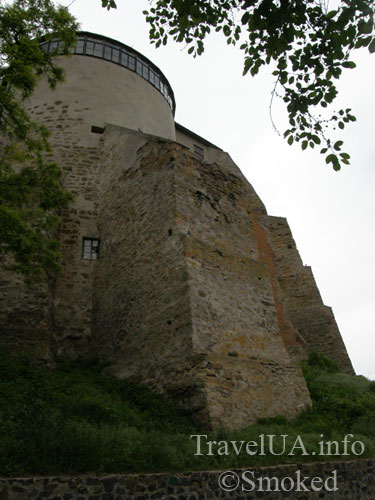 Острог, мурована башня, донжон, острожский музей