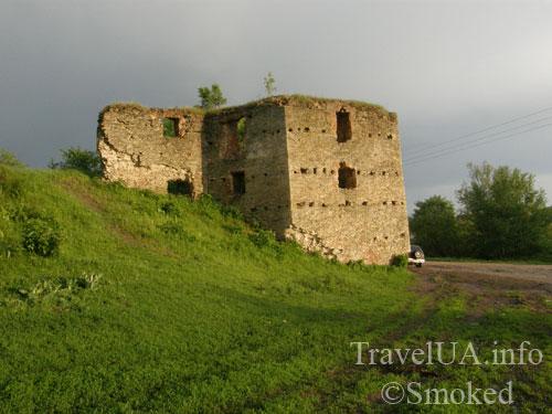 Новомалин, Новый Малин, стена, башня