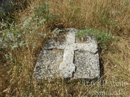 Каламита, Инкерман, Крым, плита, могила, крест