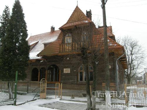 Самбор, Львовская область, деревянный дом