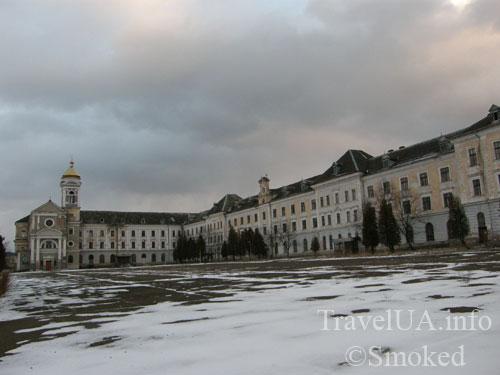 конвикт, иезуитская академия, Хиров, Львовская область